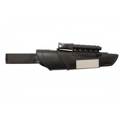Morakniv Bushcraft, schwarze Klinge, mit schwarzer Plastikhülle.