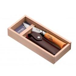 Coltello Opinel n.8 carbone con manico in faggio, fodero e Box in legno.