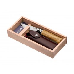 Opinel Messer Nr. 8 Inox mit Olivenholzgriff, Scheide und Holzkiste.