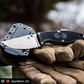 #Repost @spyderco_inc Spyderco Enuff on Knifepark.com ・・・ That's Enuff for this week, have a great weekend! #spyderco #friday #workingfortheweekend #spydercoknives#spydercoparamilitary2#tactical#tacticalknives#edc#edcknives#knives#knivesforsale#pornknife#pornknives#miltary#forksoverknives#knifemaker#knifelover#knifenut#knifesale#knifeworld#knifepark#knifedesign#knifesale
